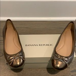Banana Republic Bronze/Pewter Flats